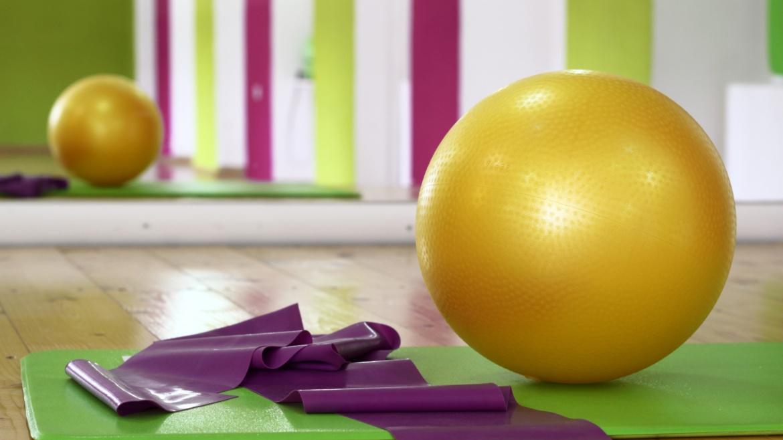 Fehlt dir der sportliche Ausgleich zwischen Online-Vorlesungen und –Seminaren? Mit uns kannst du auch weiterhin von zu Hause aus Bewegung in deinen Alltag bringen und sportlich ins neue Semester starten!